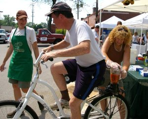 Shoppers blended their own smoothies by hopping on a bike that powered a blender.